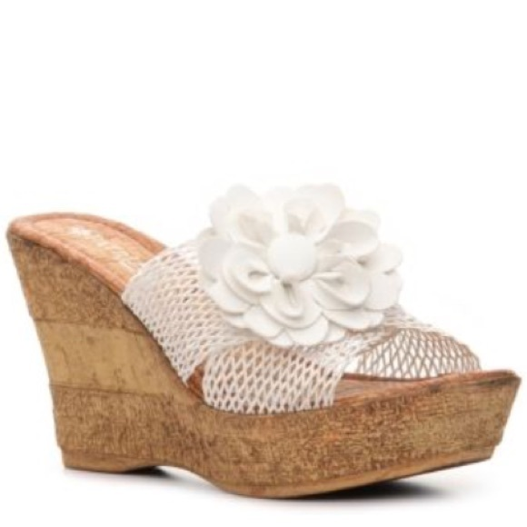 Patrizia by Spring Step Extravagant Floral Wedge